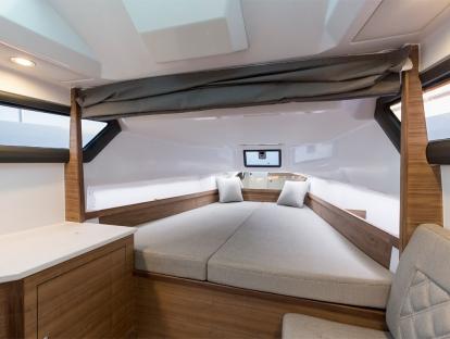 Яхта Axopar 37 Sun-Top