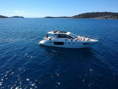 Продам яхту БУ Cranchi M 44 HT