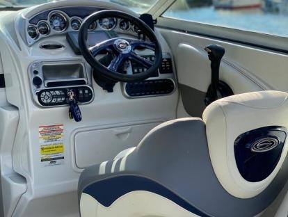 Продам катер бу Crownline 255 CCR
