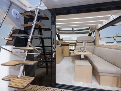 Яхта Bavaria Virtess 420