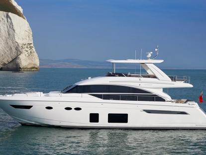 Яхта Princess 68
