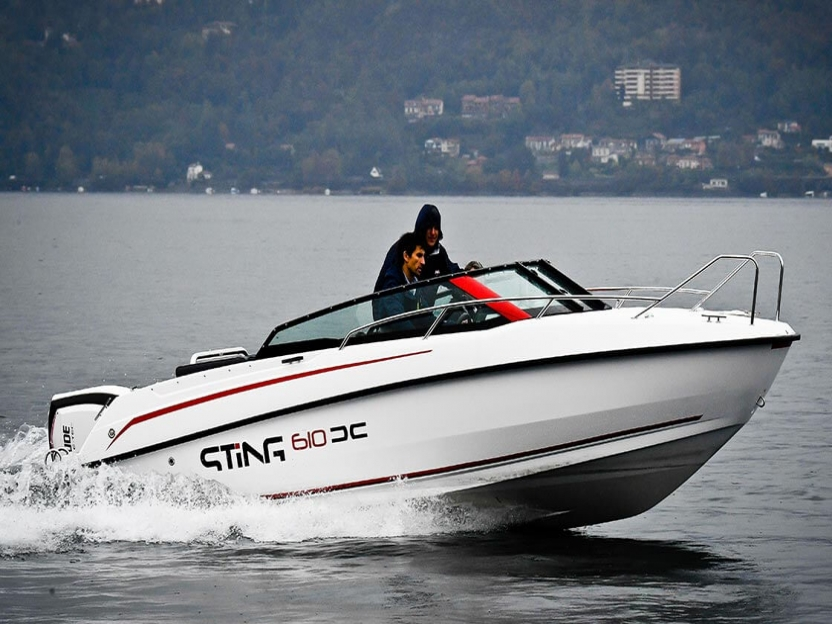 Катер Sting 610 DC