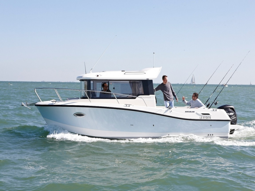 Катер Quicksilver Captur 755 Pilothouse