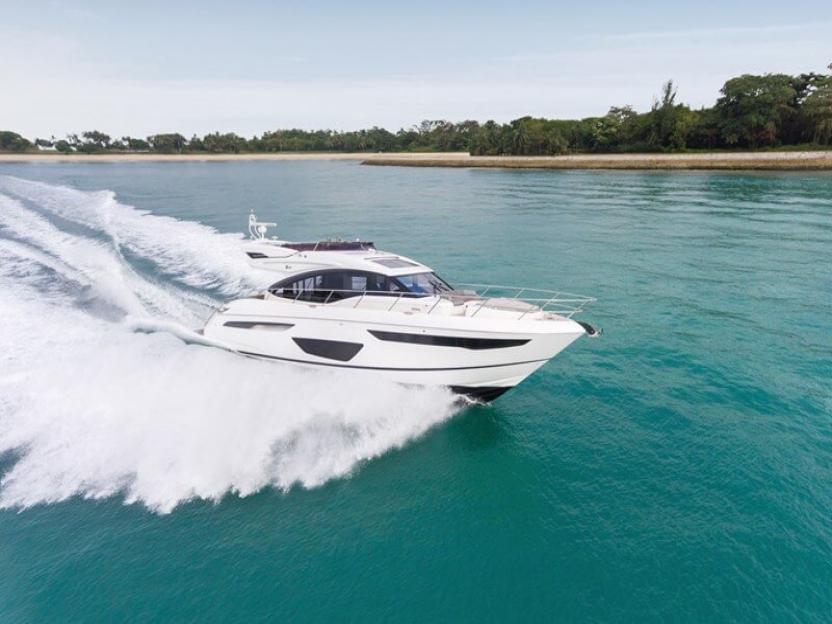 Яхта Princess S60