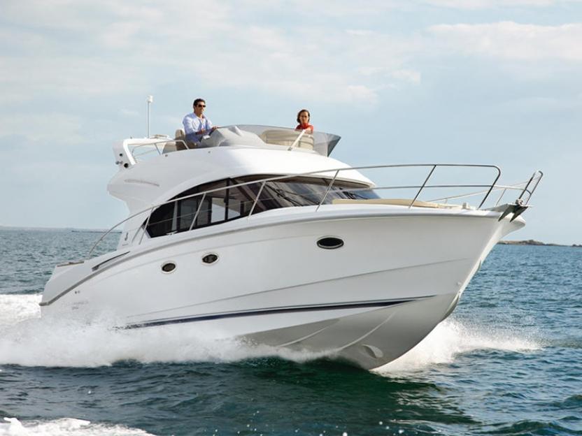 Яхта Beneteau Antares 36