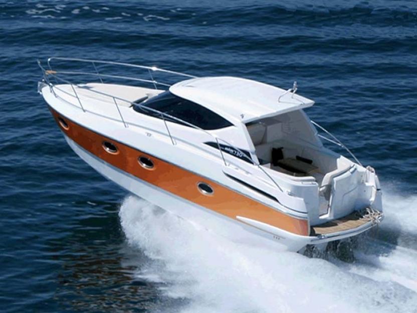 Яхта Elan Power 30