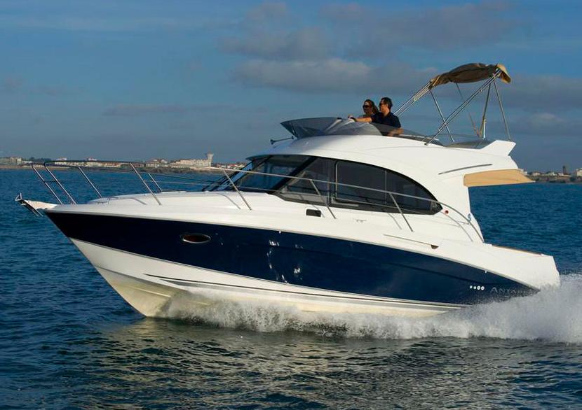 Яхта Beneteau Antares 30