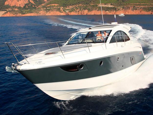 Яхта Beneteau Gran Turismo 44