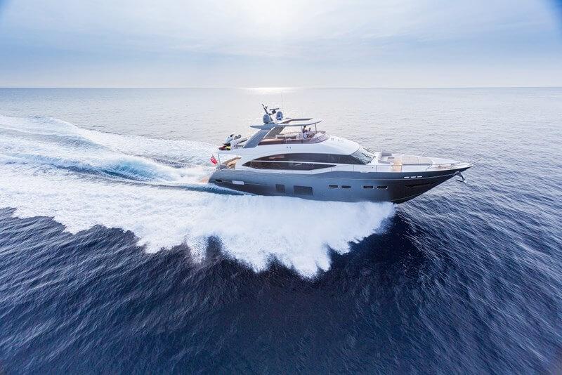 Яхта Princess 75 MY