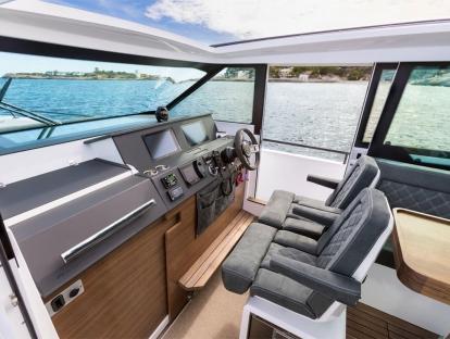Яхта Axopar 37 SC