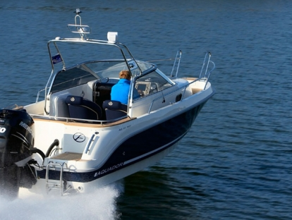 Катер Aquador Boats Walkaround 25 WA
