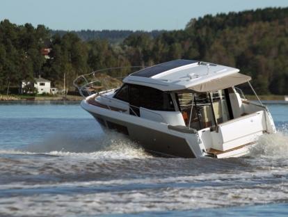Яхта Jeanneau NC 9