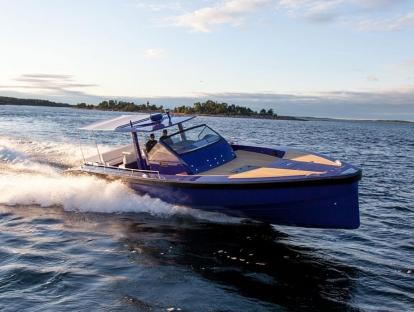 Яхта Windy SR52 Blackbird