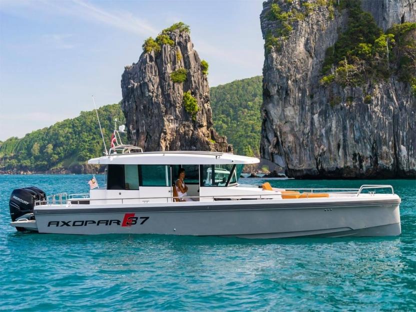 Яхта Axopar 37 Cabin