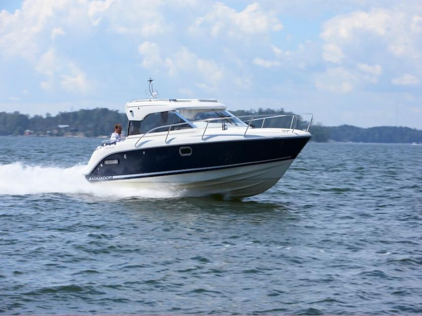 Катер Aquador Boats Hardtop 23 HT