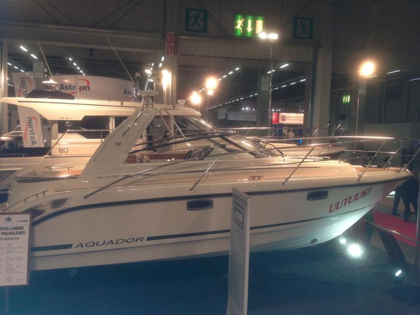 Катер Aquador 30 DC