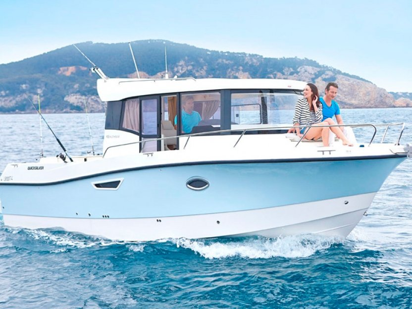 Катер Quicksilver 905 Pilothouse