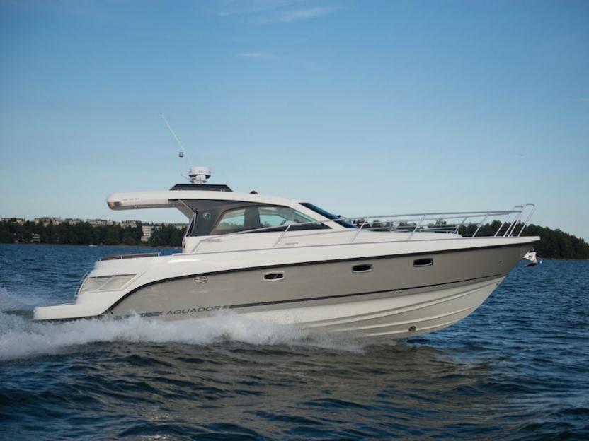 Яхта Aquador 35 ST