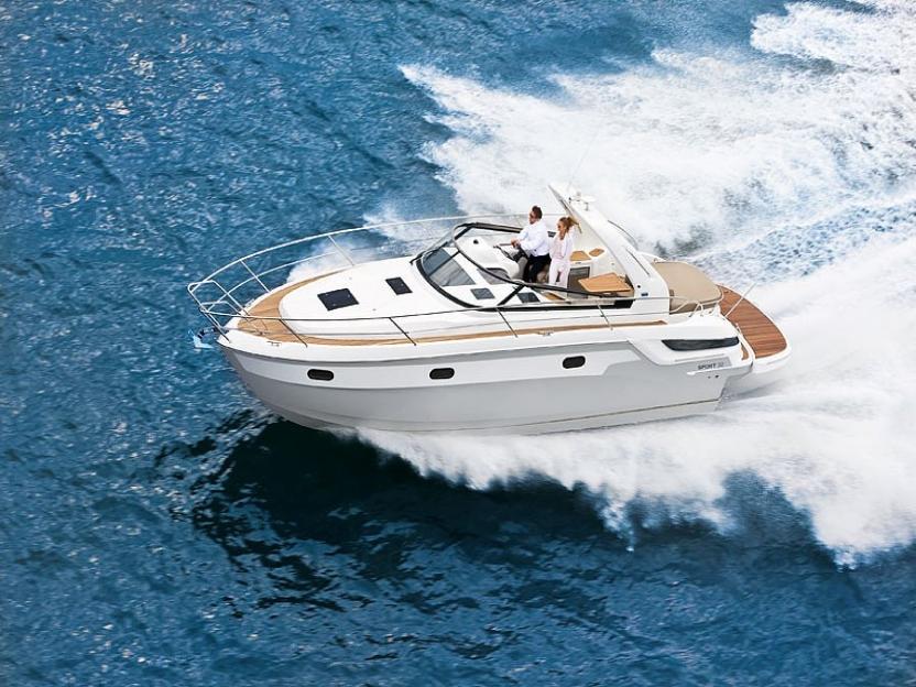 Яхта Bavaria Sport 32