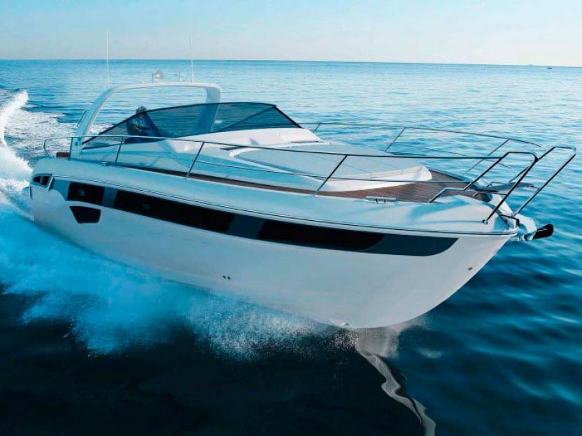 Яхта Bavaria Sport 450 Open