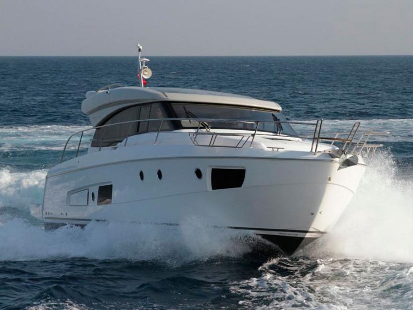 Яхта Bavaria Virtess 420 Coupe