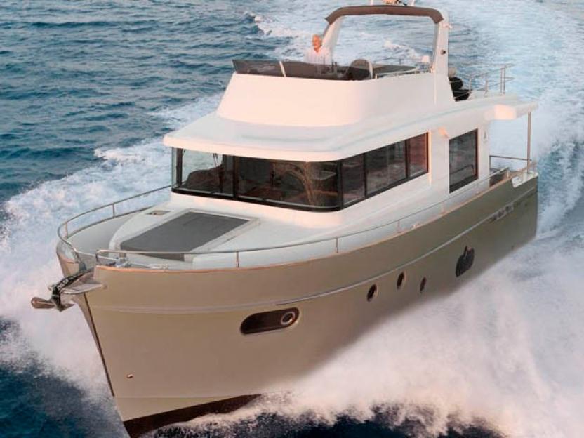 Яхта Beneteau Swift Trawler 50