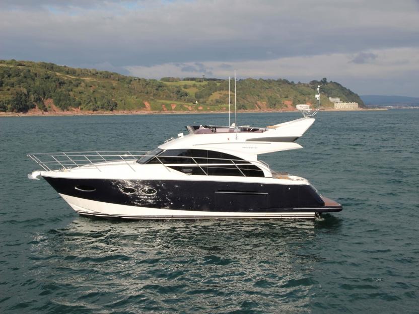 Яхта Princess 43