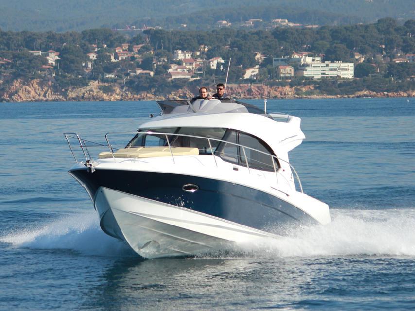 Яхта Beneteau Antares 32
